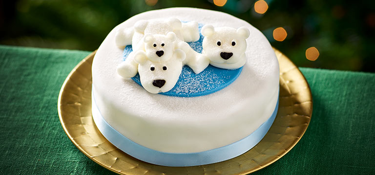7 Christmas Themed Cakes For Your Celebration Centrepiece