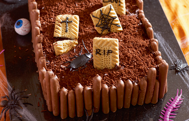 Halloween Recipe Ideas: Graveyard Cake